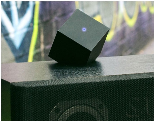 The Vamp – turn any old speaker into a Bluetooth speaker for your phone or tablet