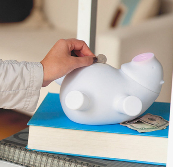 Porkfolio Wi-Fi Piggy Bank – save the bacon you bring home in this cute little pig