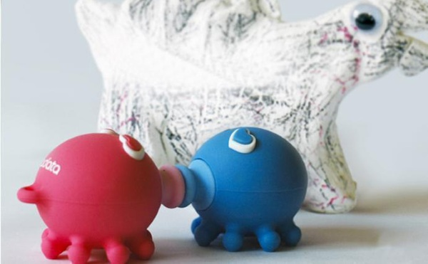 Kissing Octopus USB Flash Drive – all's fair in love and data storage