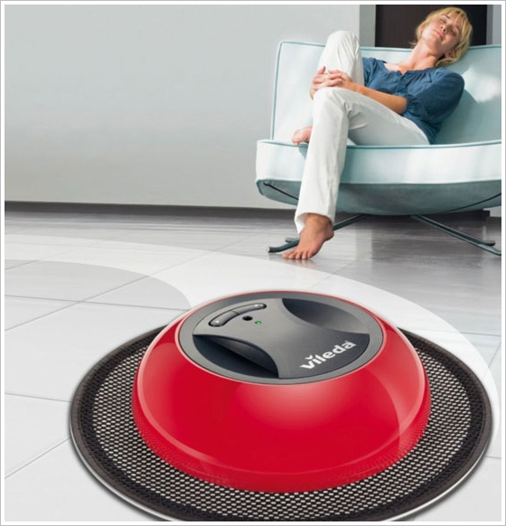 Vileda Cordless Bagless Dusting Robot – even stupid robots need a home to go to