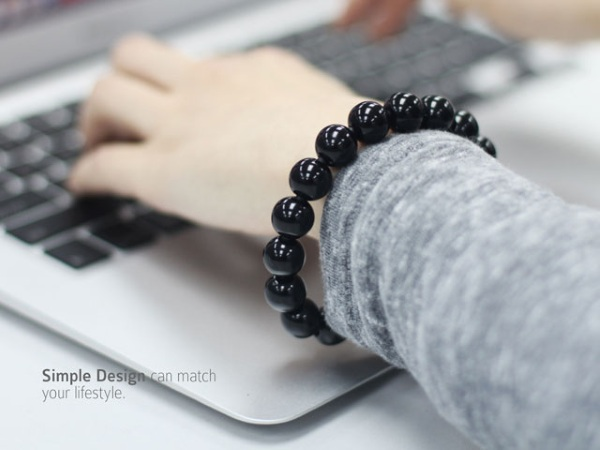 Bead Bracelet Lighting Cable – a subtle charger cord and understated fashion piece