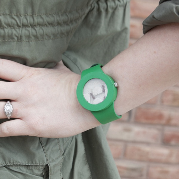 Ant Watch – the wristwatch that's filled with ants, really