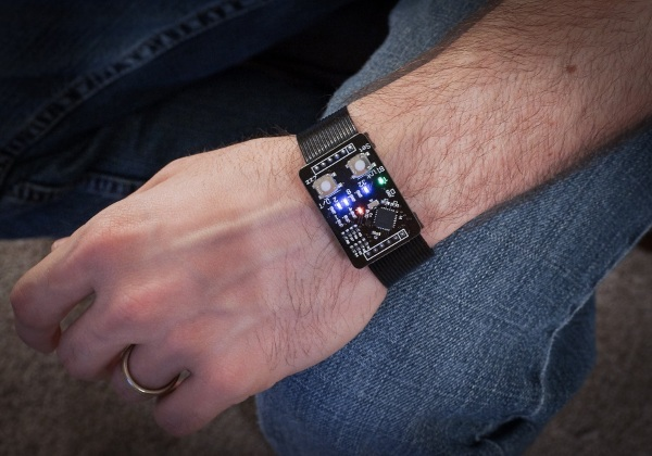 Binary Watch – the bold and dangerous way to show off your geek cred