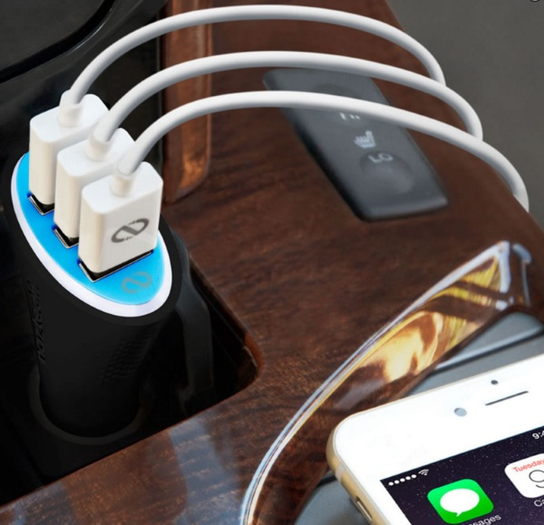 The Rapid Car iPhone Charger in use