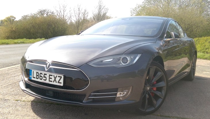 2016 Tesla Model S – Supercar performance, space for seven and zero exhaust emissions! [Review]