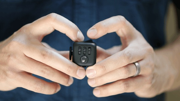Fidget Cube – keep your hands busy, no pen required