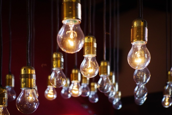 Recycling Light – a new way to bring back old lightbulbs