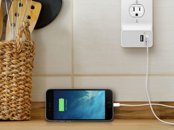 Snap-On Smart Wall Outlets – charge all your gadgets and keep your lamp plugged in too