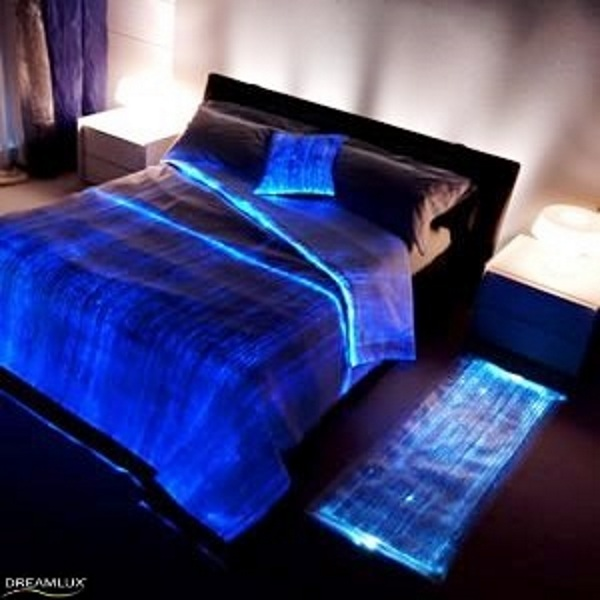 Luminous Bed Cover – give your bed a glowing fantasy touch