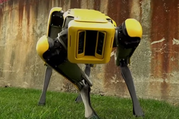 SpotMini – Boston Dynamics' new robot is very smooth