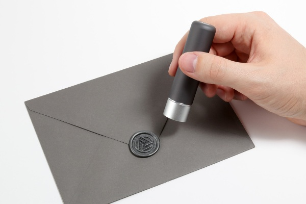 ALUMA – the modern take on wax seals