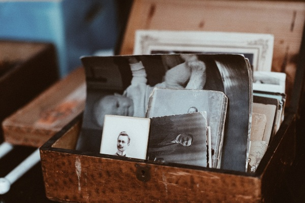 NanaGram- send physical photos to loved ones straight from your phone