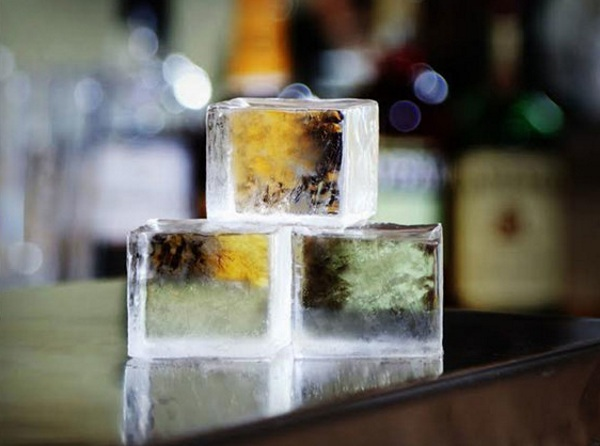 True Cubes Tray – get crystal clear ice as nature intended