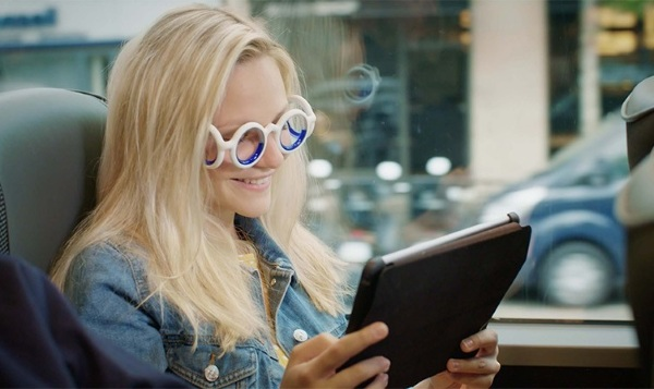 SEETROEN – stop motion sickness with these wild glasses
