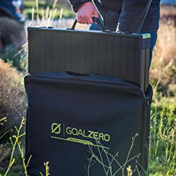 Boulder 100 Briefcase – this solar panel is all business