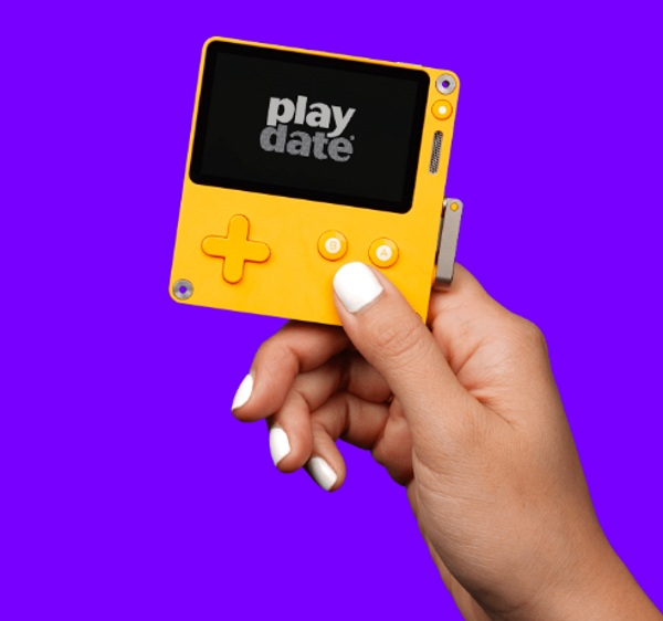 Playdate – the hand crank video game system