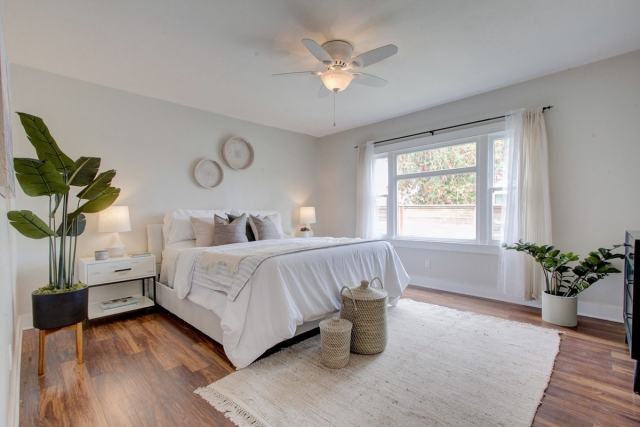 Paint in neutral colors when selling a home
