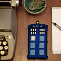 Doctor Who Craft Tutorial Roundup | Red-Handled Scissors