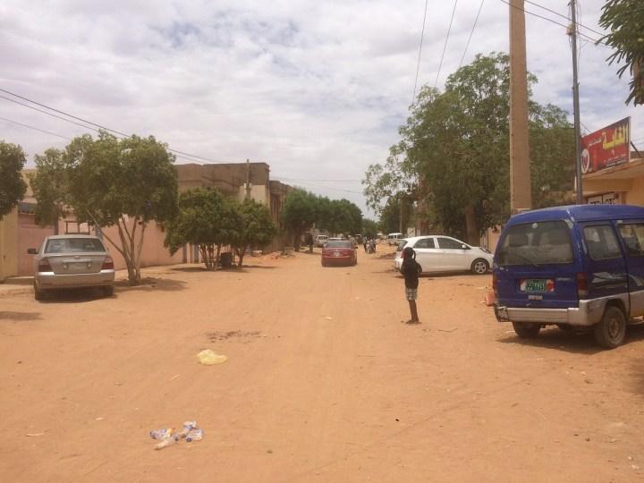 Kondisi jalanan di Sudan di siang hari