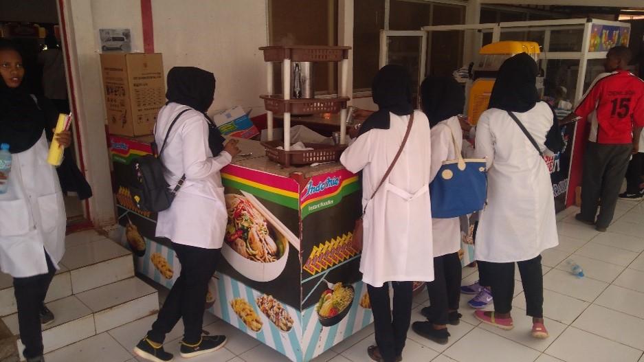 Stand Indomie di salah satu kampus di kota Khartoum