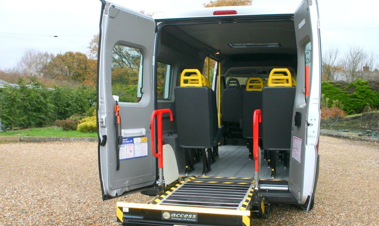 Fully reconditioned minibus with tail lift