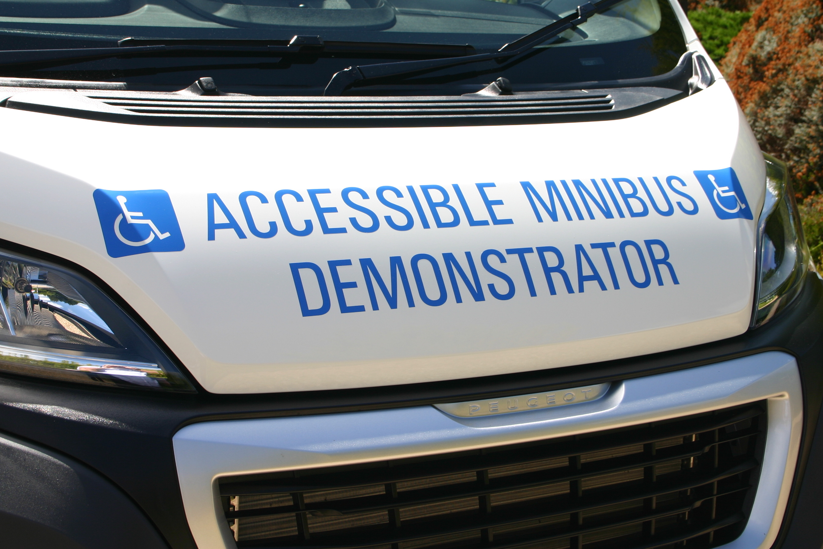 fully accessible minibus 12 mths warranty free demo & del