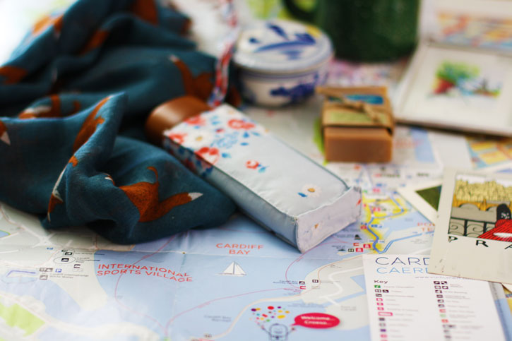 These Are the Best Travel Souvenirs to Bring Home With You | redleafstyle.com