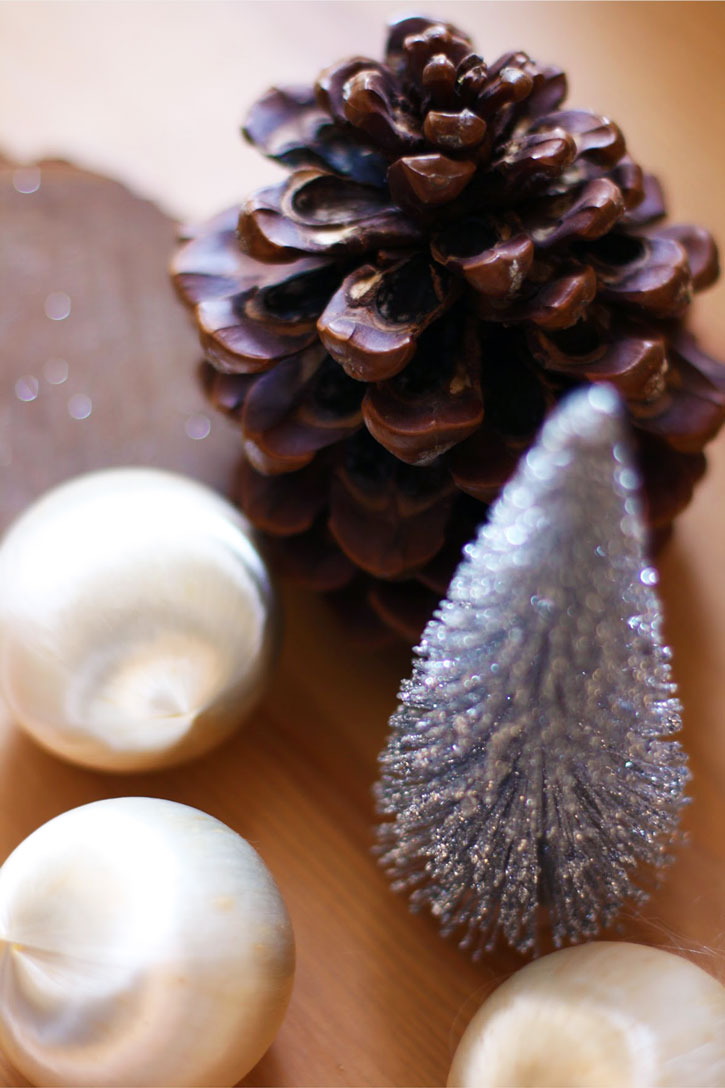 how to decide when to decorate for christmas without stressing redleafstylecom - When Is The Best Time To Put Up Christmas Decorations