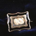 Child's brooch with human hair.