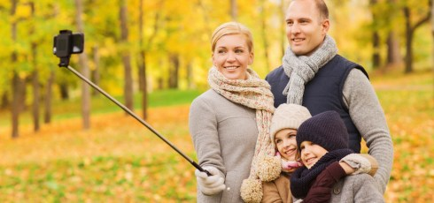Selfie sticks banned from Smithsonian museums