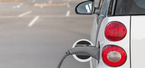Scientists develop carbon-negative electric car battery production technique