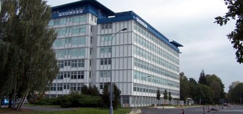 iPhone manufacturer announces plans to automate factories