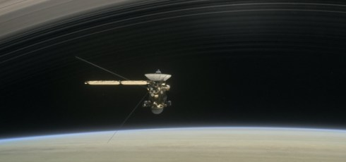 Cassini dips into Saturn's atmosphere
