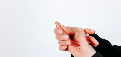 How to Fix a Jammed Finger with Simple Home Care Tips