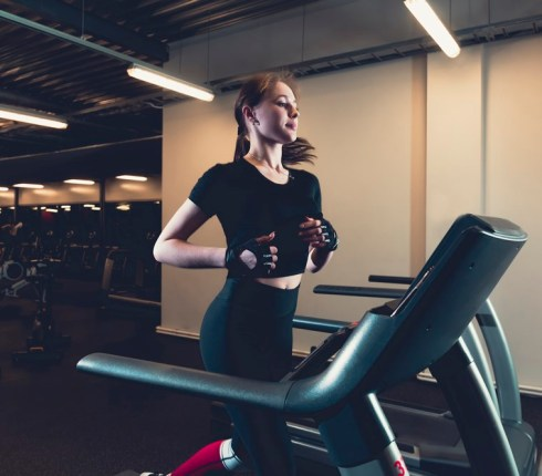 Treadmills vs Elliptical Trainers: Advantages and Disadvantages for the Non-Athlete