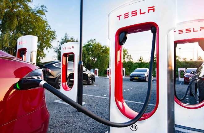 Automakers Protest Extra Tax Credit for EVs Made by Union Workers