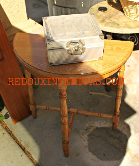 Table with free box