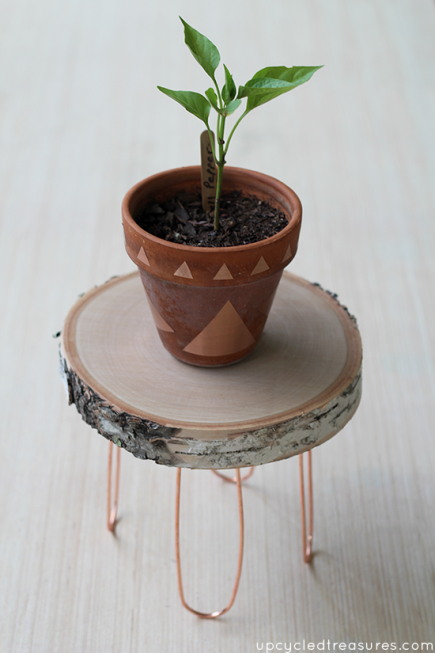 diy-rustic-and-modern-plant-stand-upcycledtreasures