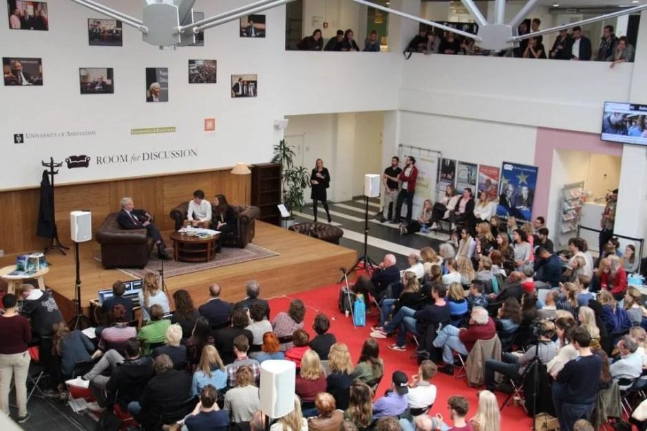 Jan Terlouw, Pim ten Thije en Kari Spijker bij Room for Discussion. Foto: Room for Discussion
