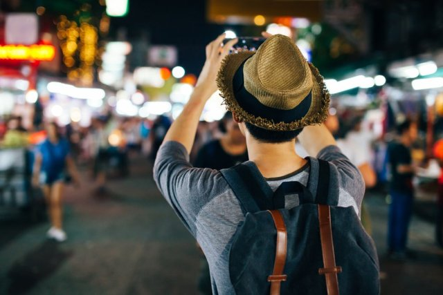 digital-nomad-solo-travel