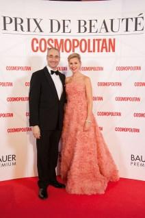 Dr. Joachim Lubig (Coty) und Lisa Watts (COSMOPOLITAN, MYWAY, HAPPINEZ). Foto: Christian Rudnik