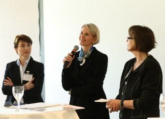 Hildegard Bayerschmidt (mit Barbara Summerer und Elfriede Dambacher, re.) plädierte für kompetente und ehrliche Beratung