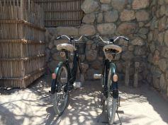 Jeder Gast bekommt ein Fahrrad mit dem eigenen Signum, rechts meins: mit FH
