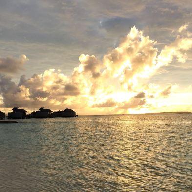 Sonne über dem Meer am Morgen - traumhaft.
