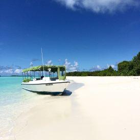 Zum Six Senses Laamu gehört eine weitere kleine Insel, auf der man für ein paar Stunden Robinson Crusoe spielen kann