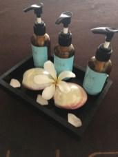 Behandelt wird mit Produkten von Margy Monte Carlo, Shiffa UAE und Panpuri Thailand.