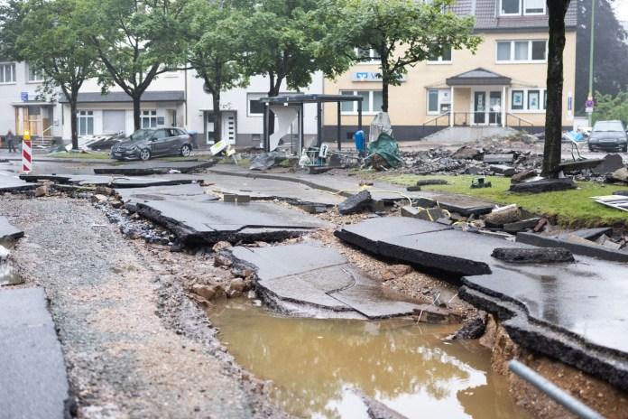Wie hier in Stolberg hat das Hochwasser in vielen Städten und Gemeinden seine Spuren hinterlassen. Foto: Marcel Kusch
