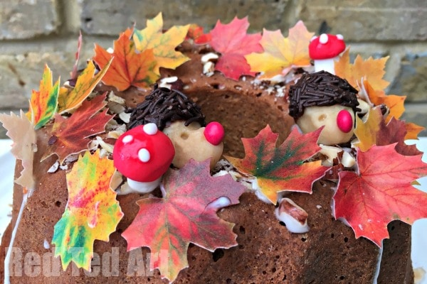 Thanksgiving Cake Decorating Ideas   Red Ted Art s Blog Thanksgiving Cake Decorating Ideas   How cute is this Fall Cake  Completely  edible and oh