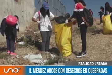 REALIDAD URBANA: BARRIO MÉNDEZ ARCOS CON DESECHOS EN QUEBRADAS