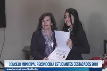 CONCEJO MUNICIPAL RECONOCIÓ A ESTUDIANTES DESTACADOS 2018